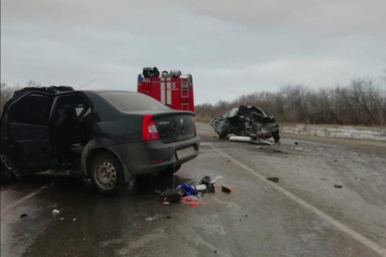 В тройном ДТП на трассе под Оренбургом погиб один человек