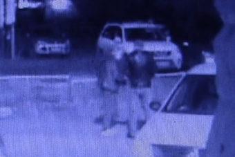 В одном из городских дворов Оренбурга двое взрослых мужчин повздорили