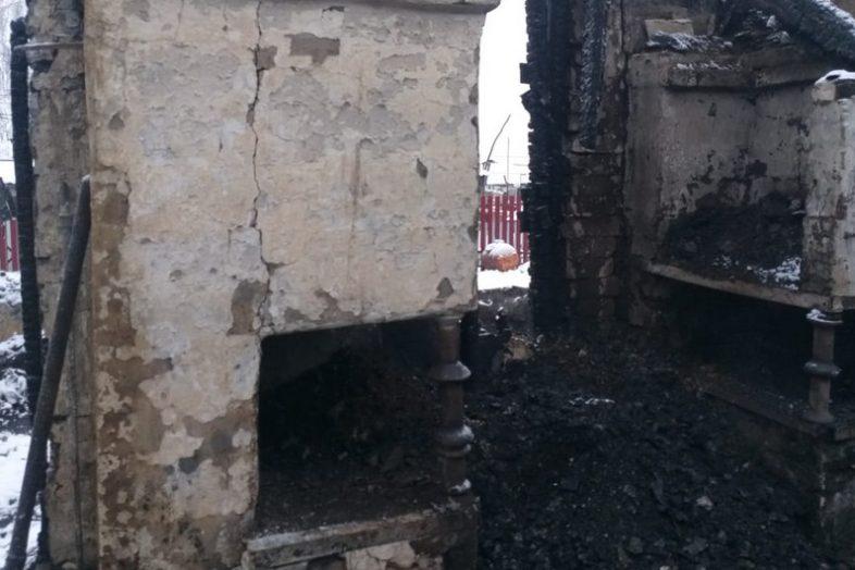 Оренбургские следователи расследуют пожар в Первомайском районе, где погибли два человека