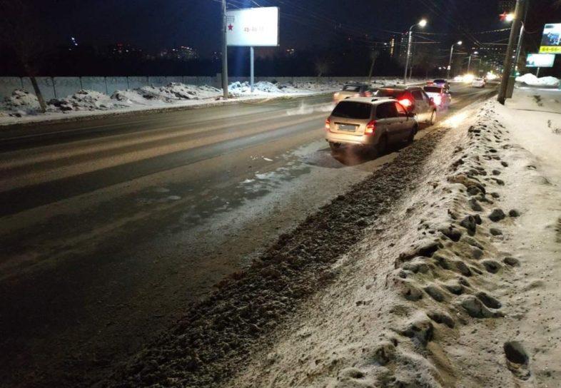 Оренбурженка попала под колеса сразу 2 автомобилей