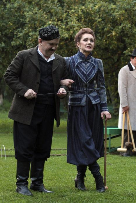 Актриса из Москвы поздравила оренбургские театры и зрителей