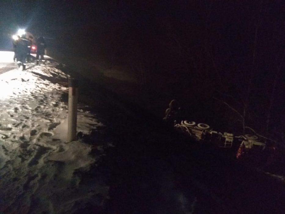 На оренбургской трассе в аварии с грузовиками погиб человек