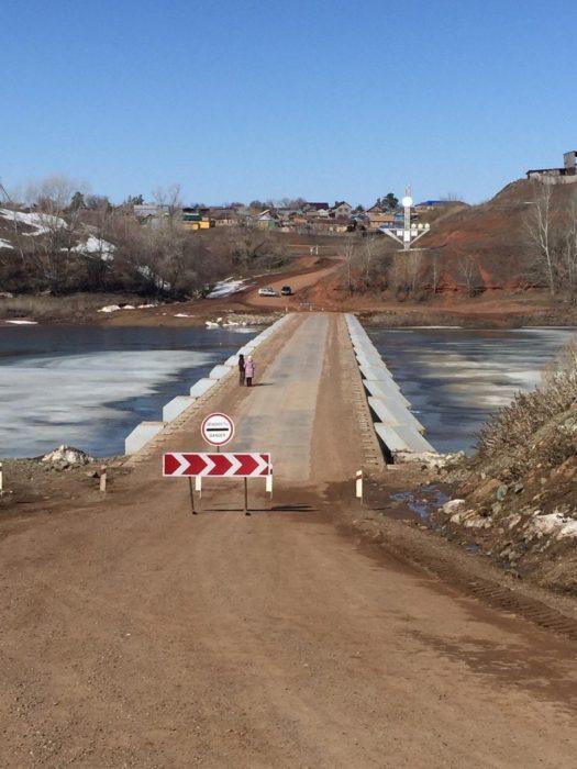 На оренбургских реках взрывают лед