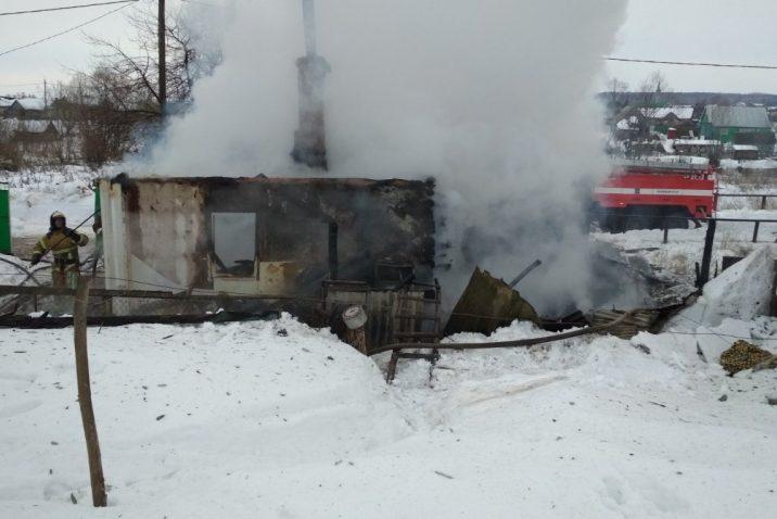 В Оренбургской области в огне погибли два человека