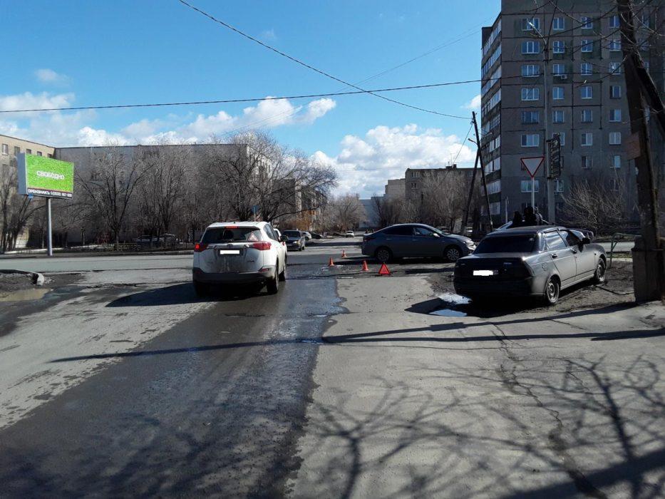 В Оренбуржье в ДТП пострадали три человека