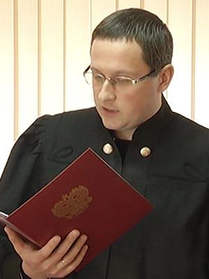 Следователь спецотдела СК провел осмотр места происшествия по делу о пытках