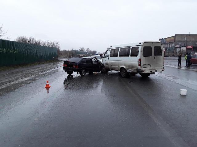 В Новотроицке в ДТП попал маршрутный автобус