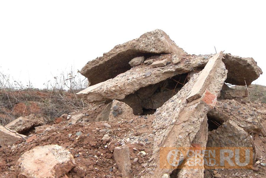 В окрестностях Оренбурга растут горы мусора