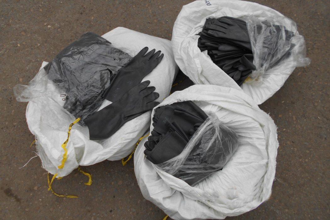 В Оренбуржье таможенники остановили грузовик с медицинскими изделиями