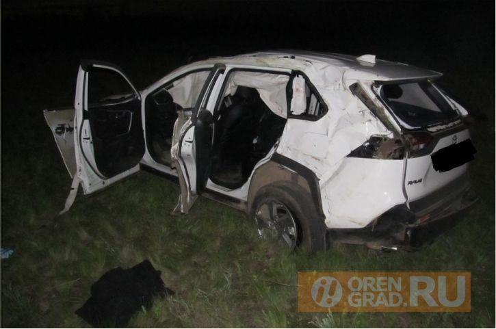 Сегодня ночью под Новоорском погиб 18-летний водитель