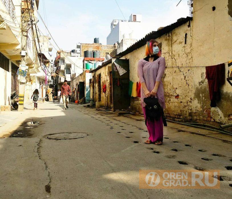 Оренбурженки, которые застряли в Индии, спустились с трапа в родном городе