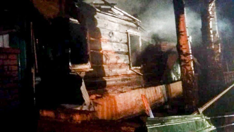 В Шарлыкском районе в огне погибли два пенсионера