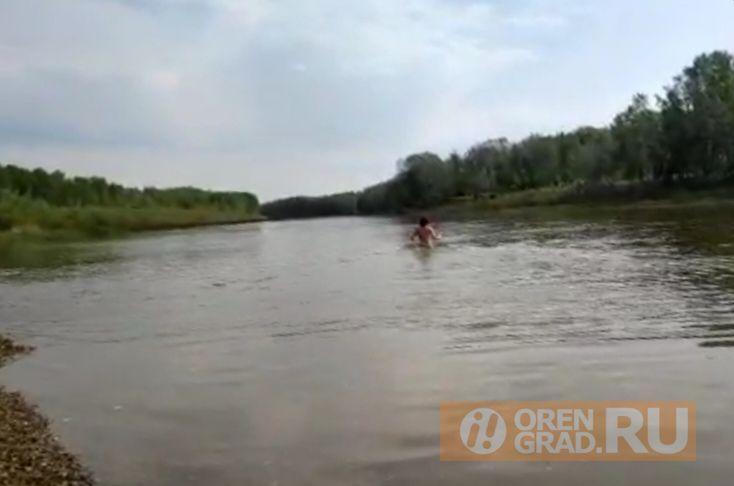 Оренбуржцы уже открыли купальный сезон