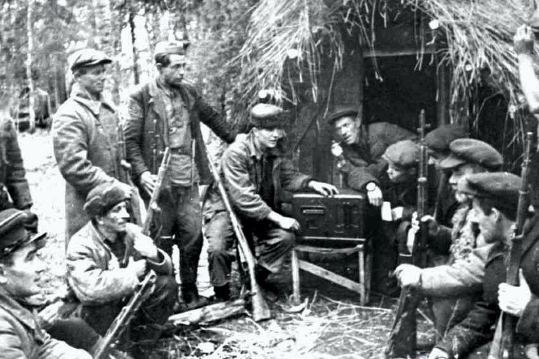 День кораблестроителя, партизана-подпольщика, битва за Заполярье и Боинг. Что их объединяет?