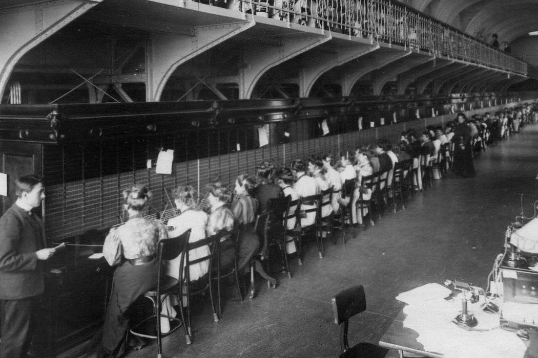 Ветераны боевых действий, московская публичная библиотека, буряты и первая телеграфная станция в Петербурге. День в истории