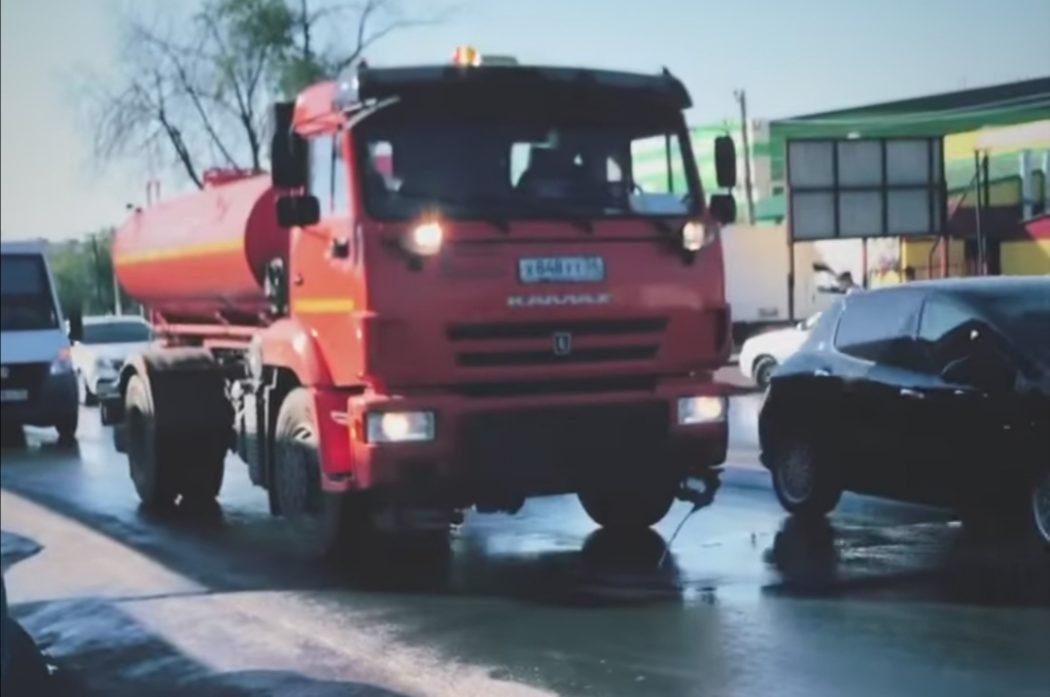 В Оренбурге захламленную улицу Лесозащитную будут убирать два дня