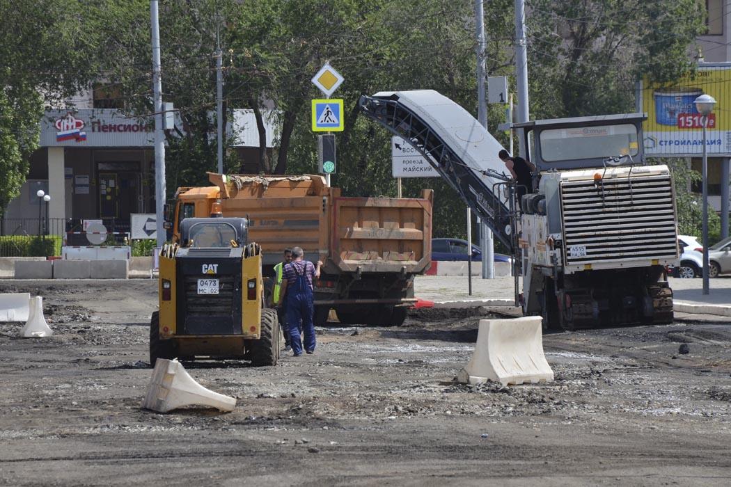 Ремонт улицы Туркестанской завершится  через четыре месяца
