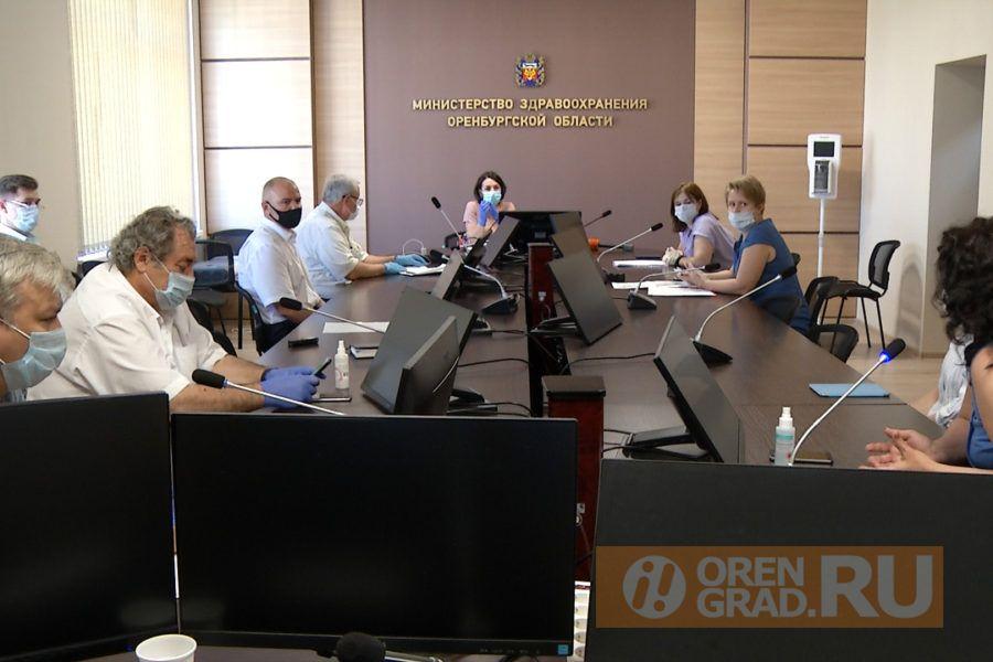 Министр Савинова встретилась с родителями Вити Безукладова, которому требуется дорогое лечение