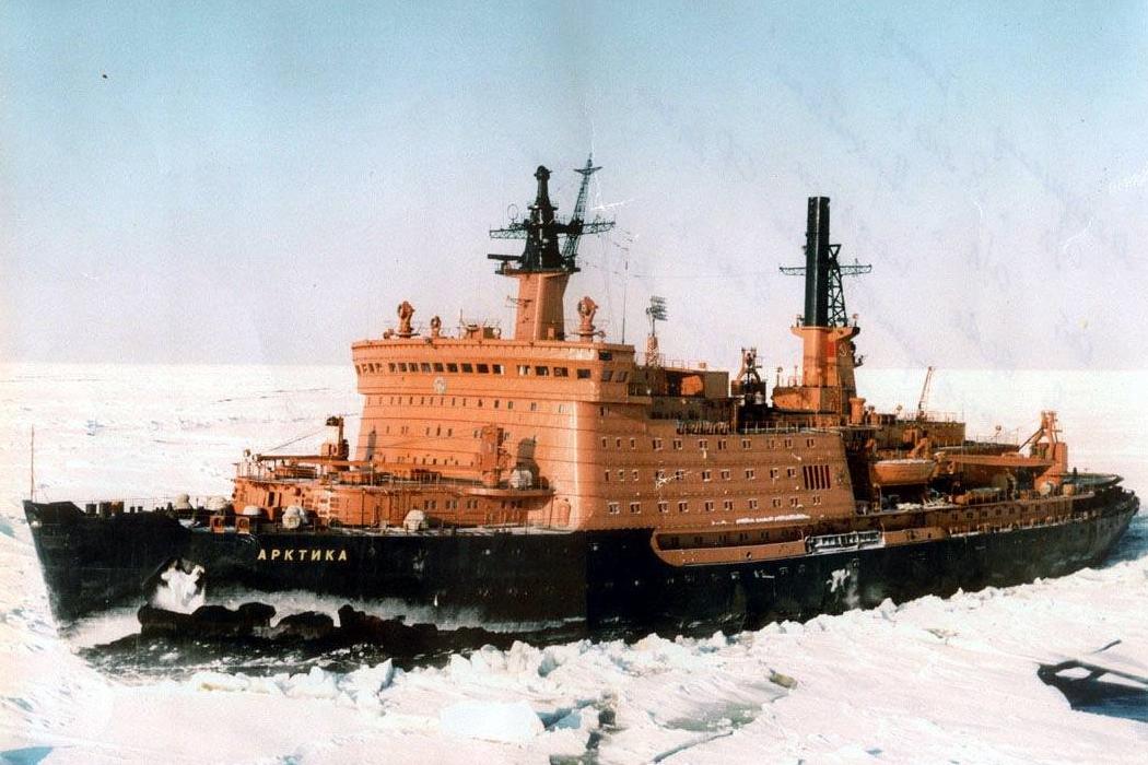 Дефолт, Северный полюс и музей изящных искусств. День в истории