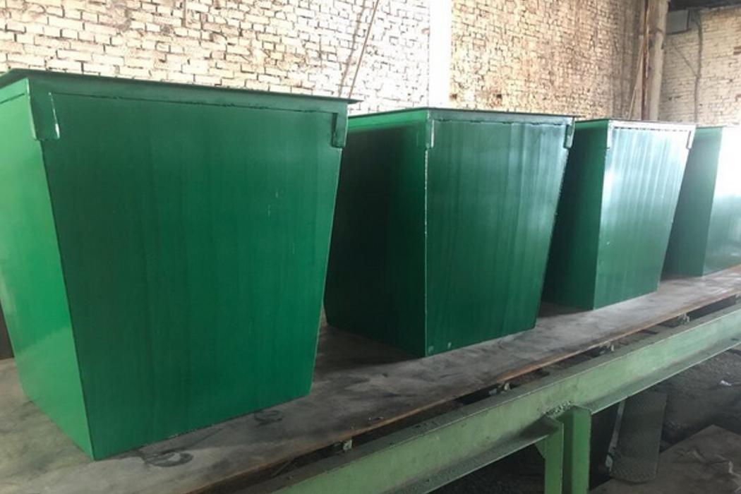 На мусорных площадках Оренбурга появятся баки из тюрьмы