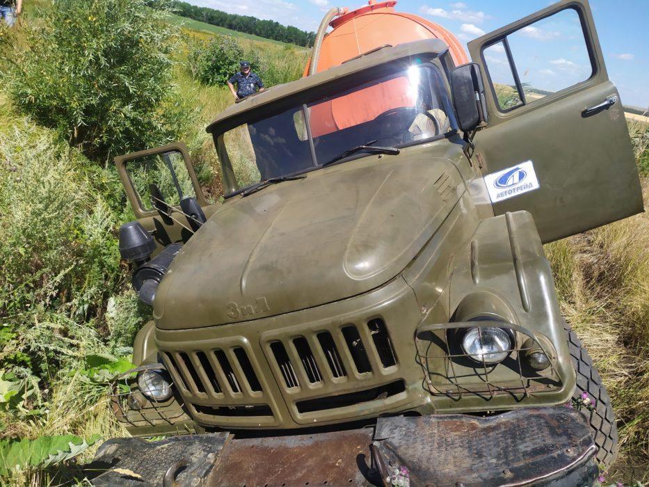 В Первомайском районе пьяный житель за вечер угнал трактор и грузовик