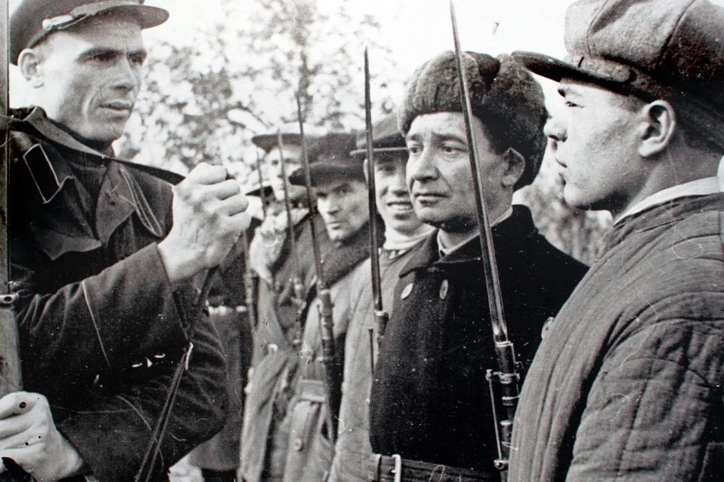 Ополченцы, последняя русско-шведская война, первый радиоконцерт и Юрий Визбор. День в истории