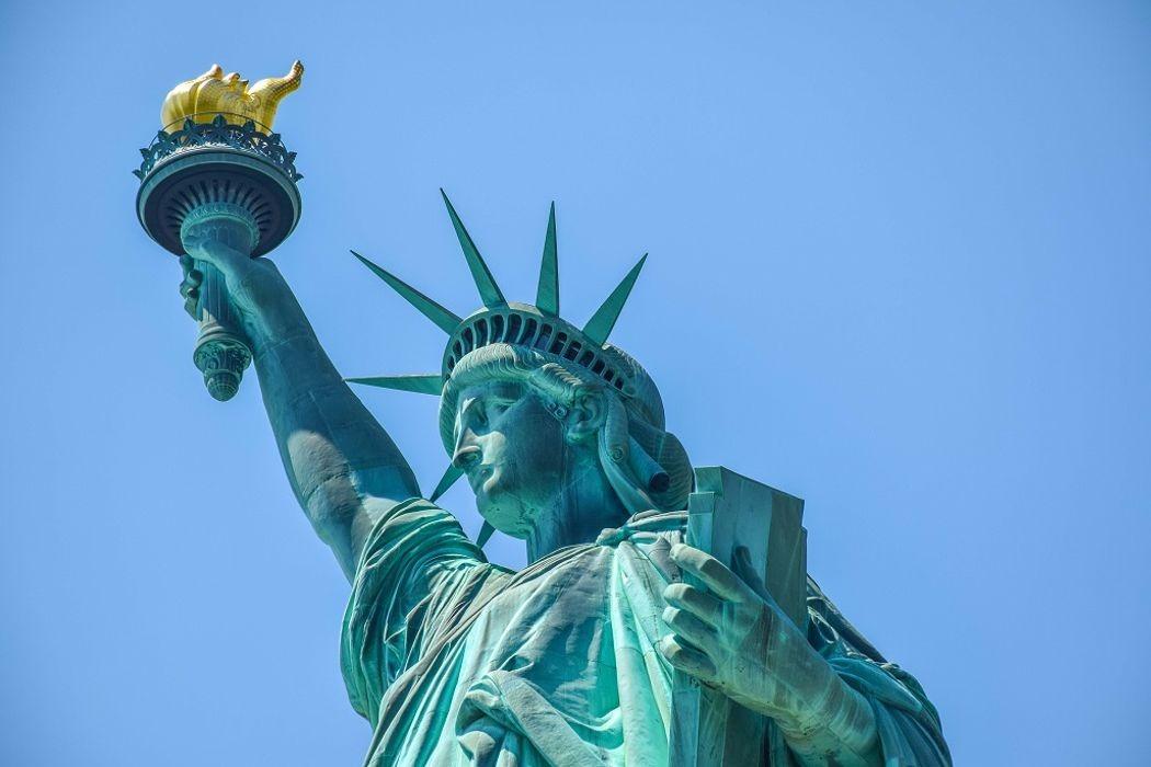 Анимация, бабушки и дедушки, Статуя свободы и праксиноскоп. День в истории