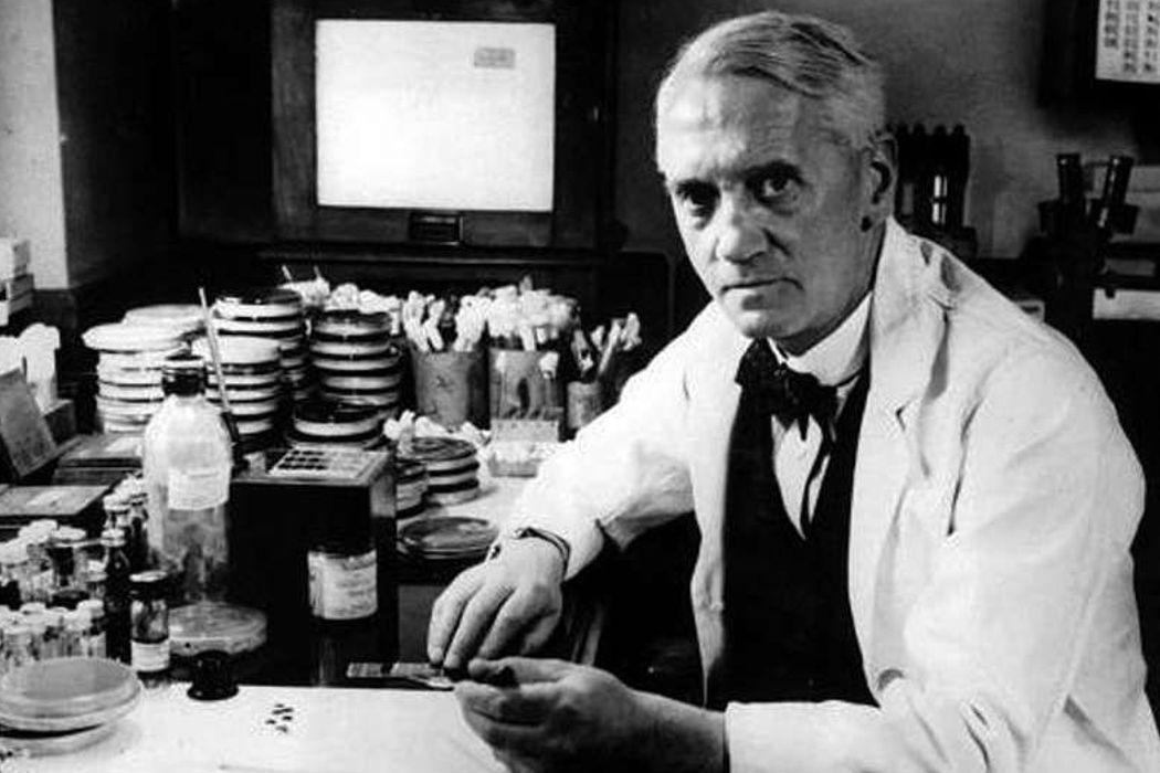 """Лицеист, декларация, """"Черный понедельник"""" и стрептотрицин. День в истории"""