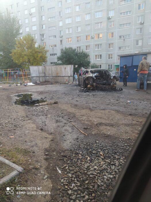В Оренбурге сгорел элитный автомобиль