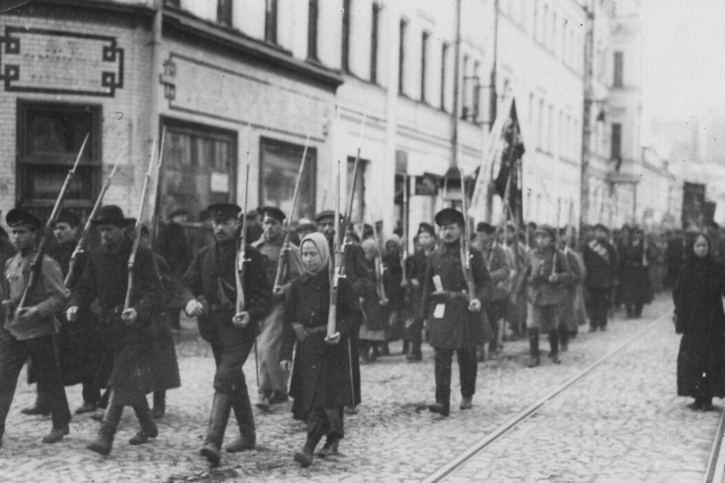 Вселенский собор, Октябрьская революция, мужчины, почтовая марка и вытрезвитель. День в истории