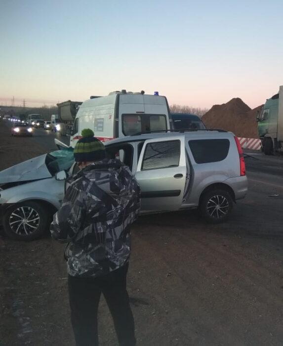 """На трассе в Оренбургской области погиб водитель """"Ларгуса"""""""