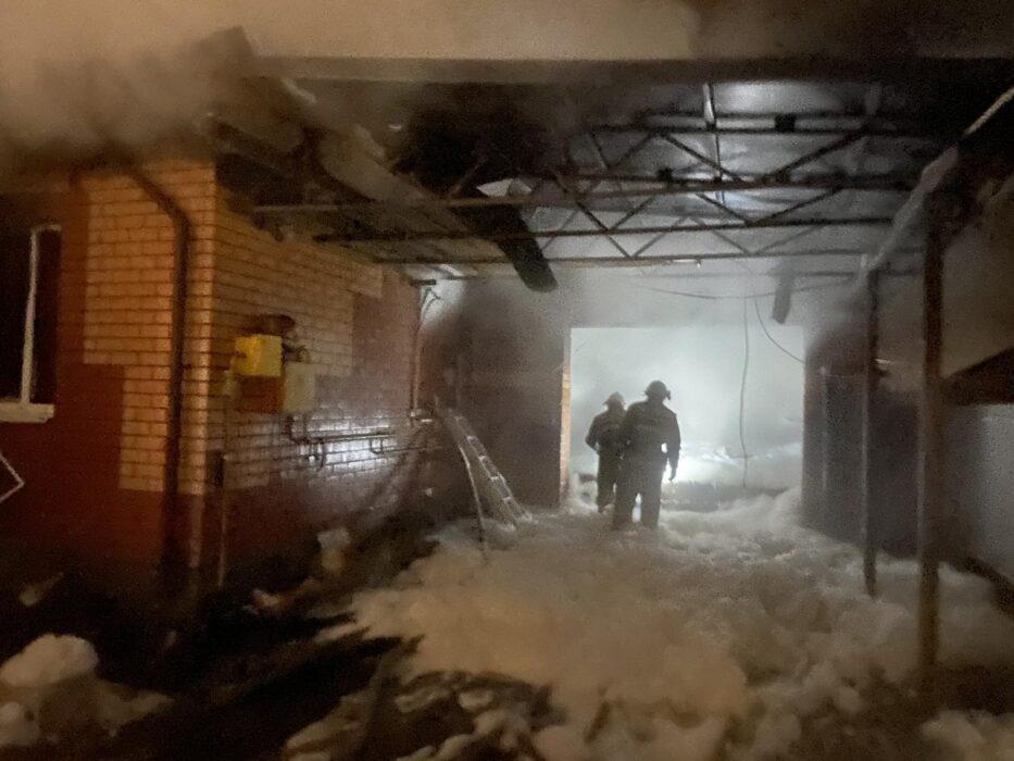 В поселке Экодолье сгорел большой жилой дом