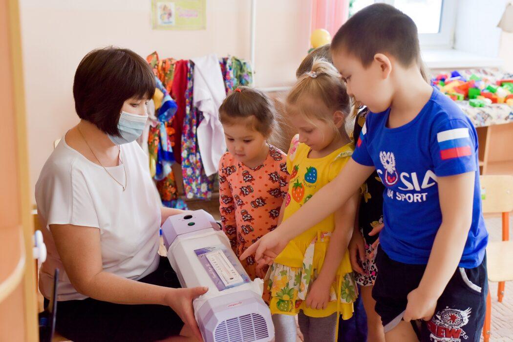 «Газпромнефть-Оренбург» поддерживает школы, детские сады и больницы в период пандемии