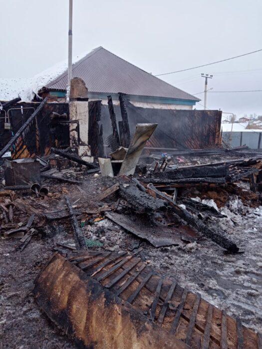 В селе Чесноковка Переволоцкого района сгорел жилой дом