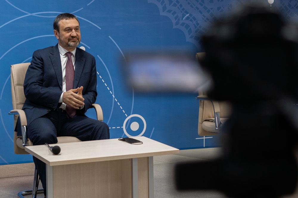 Игорь Сухарев: «Спросите меня про Навального, вас не отчислят»