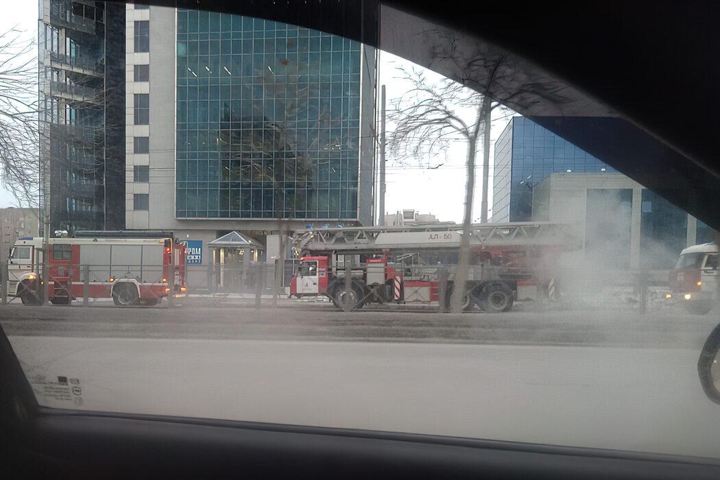 В Оренбурге утром вереница пожарных машин напугала горожан