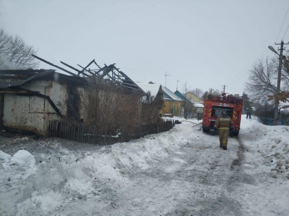 В Грачевском районе во время пожара погибли два человека
