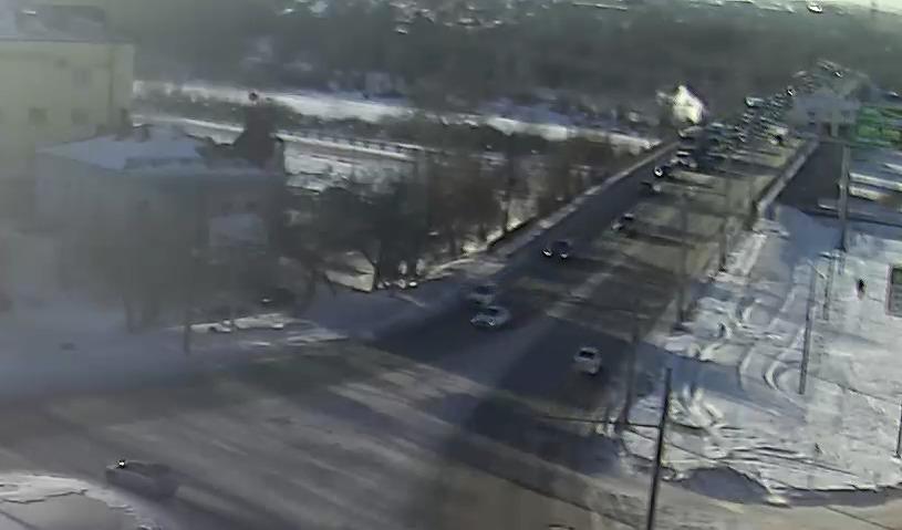 Из-за пробки на улице Донгузской оренбуржцы опоздали на работу