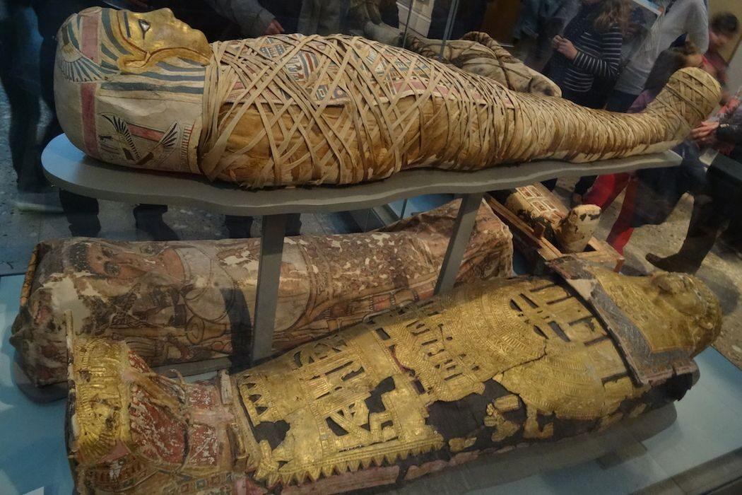 Святой Патрик, «Элиза» пересекла Ла-Манш, объединение Италии, Калифорний и древнейшая женщина-мумия. День в истории