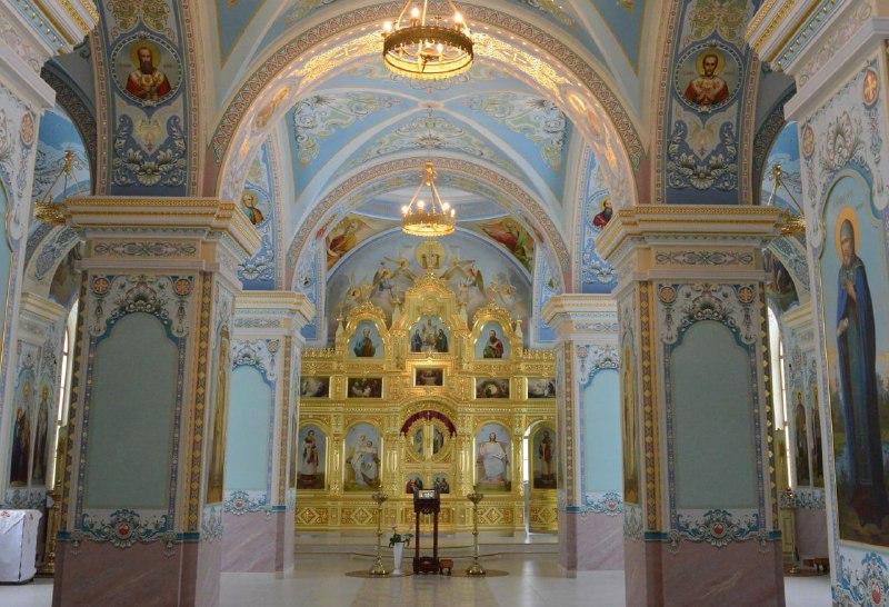 """В Оренбурге вновь открывает двери """"зимний"""" кафедральный собор на набережной"""