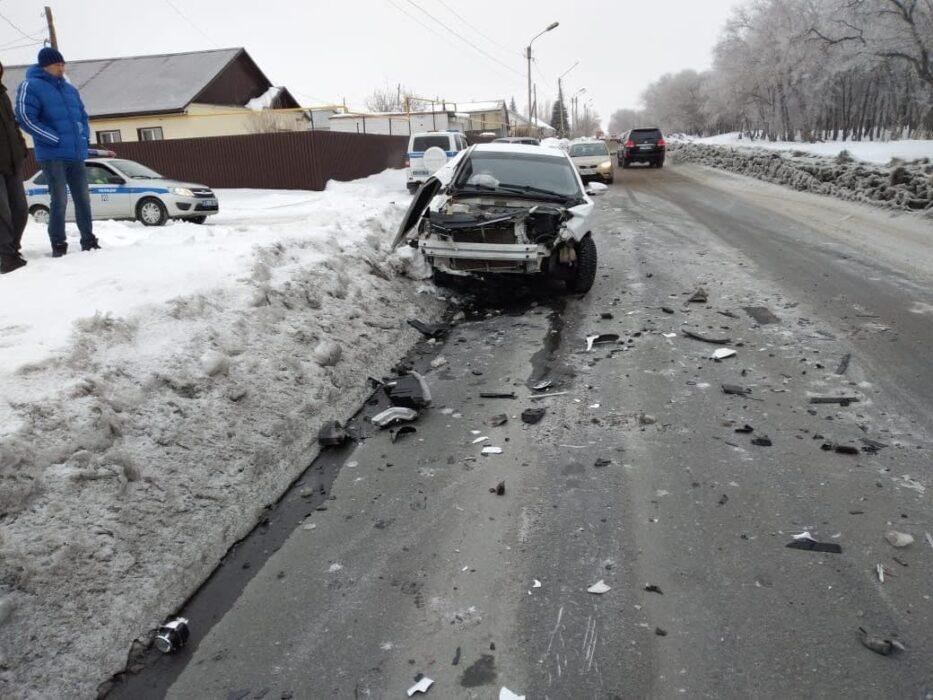 """В Гае невнимательный водитель """"Нивы"""" спровоцировал аварию с пострадавшими"""