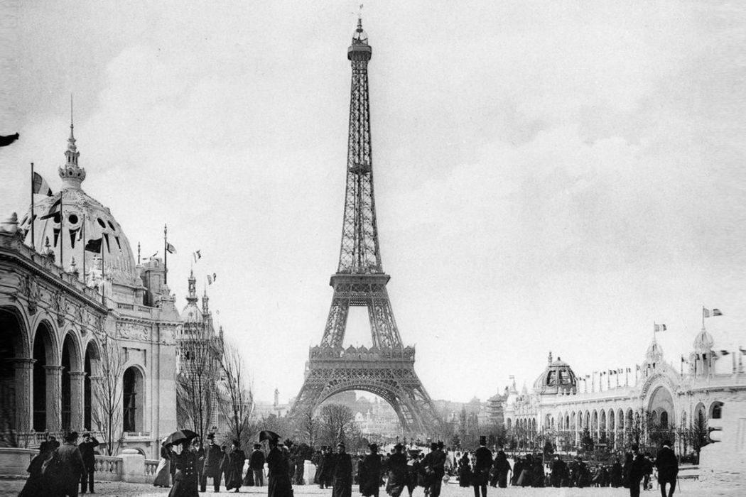 День бэкапа, Эйфелева башня, застежка-молния и советский спутник Луны. День в истории