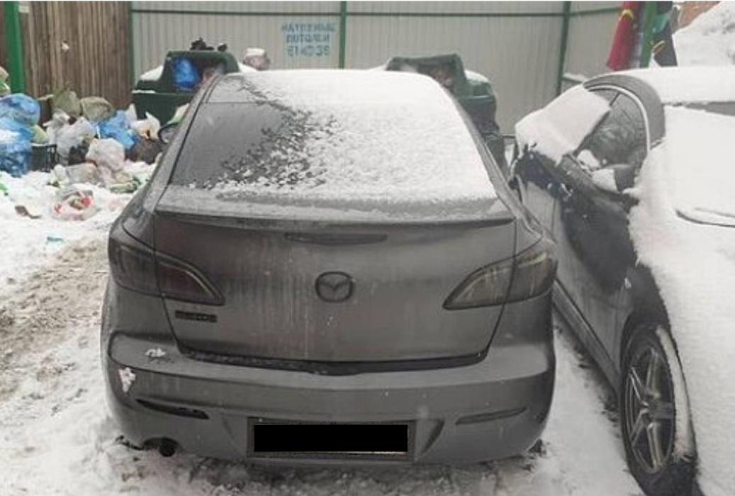 Региональный оператор по вывозу ТБО просит оренбургских автомобилистов не загораживать контейнеры