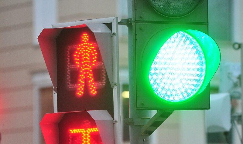 Девушка модель работы светофора модели онлайн ершов