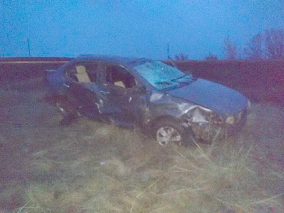 В аварии возле села Октябрьское пострадали два человека