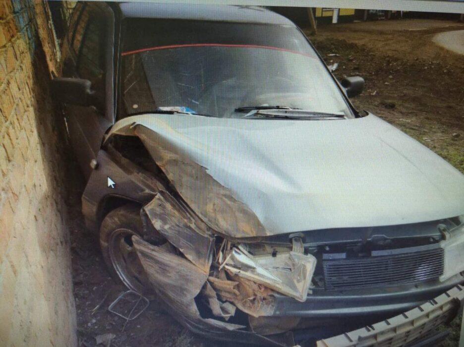 В Бузулуке 62-летний водитель ВАЗ-2111 въехал в кирпичную стену