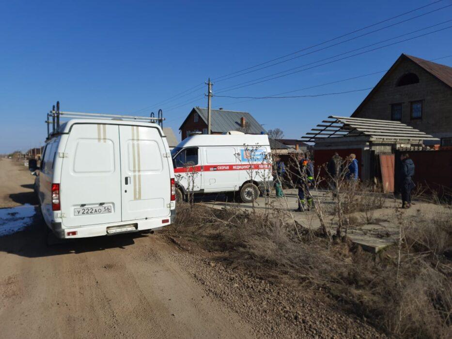 В поселке 9 Января пожарные спасли парализованного мужчину