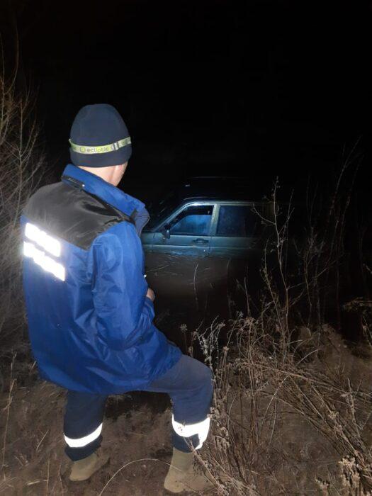 В Оренбуржье в реке Каргалка обнаружили автомобиль