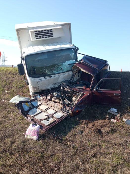 В Сорочинском районе в автомобильной аварии погибли три человека