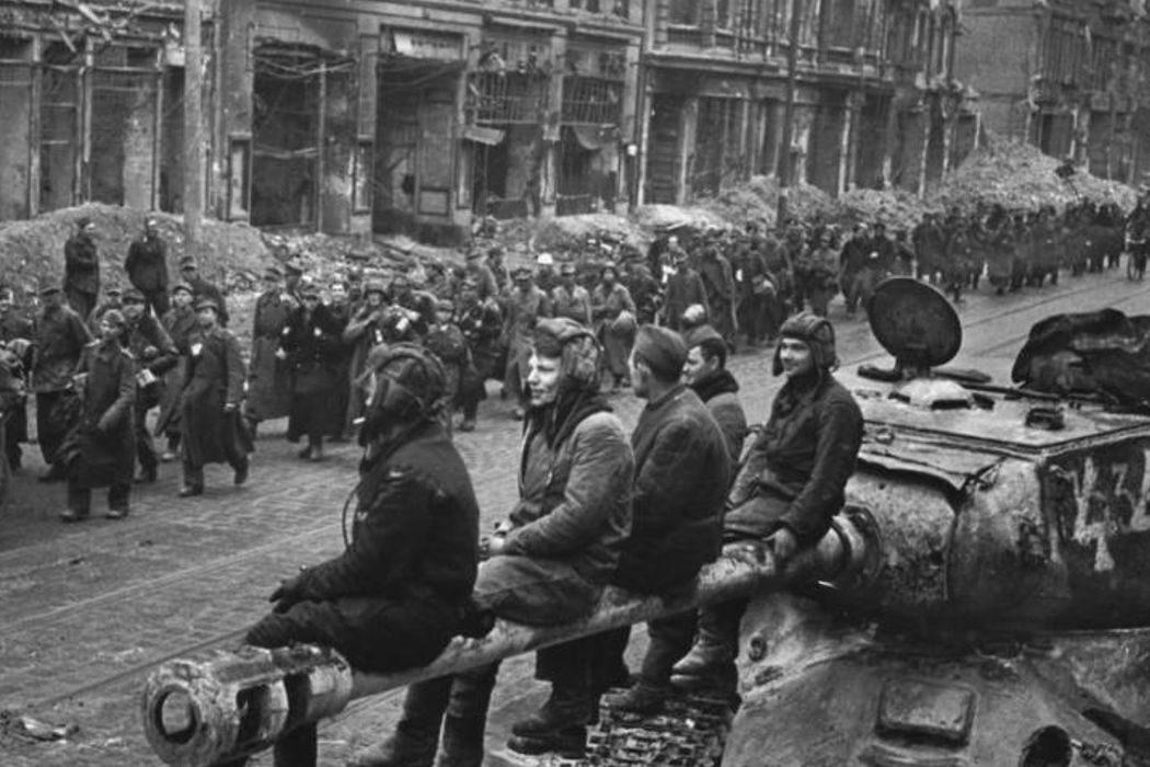 Жалованная грамота Дворянству, Пасха, захват Берлина и трагедия в Одессе. День в истории